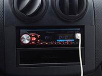 Фотография установки магнитолы Pioneer MVH-280FD в Chevrolet Aveo