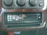 Фотография установки магнитолы Alpine CDE-9880R в Dodge Stratus