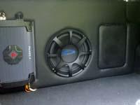 Установка сабвуфера Alpine SWS-1243D в Hyundai Solaris