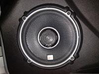 Установка акустики JBL GTO-628 в Lada Granta