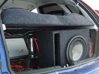 Установка сабвуфера Alpine SWR-1243D в Lada Kalina