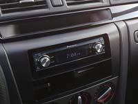 Фотография установки магнитолы Pioneer DEH-P88RSII в Mazda 3