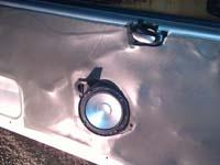 Установка акустики Clarion SRE1721S в Peugeot 206
