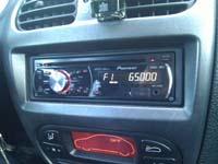Фотография установки магнитолы Pioneer DEH-2210UB в Peugeot 206