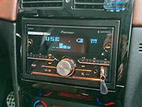 Фотография установки магнитолы Pioneer MVH-S610BT в Peugeot 307