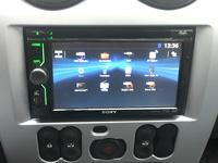 Фотография установки магнитолы Sony XAV-601BT в Renault Logan