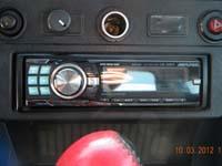 Фотография установки магнитолы Alpine CDE-9880R в VAZ 2121